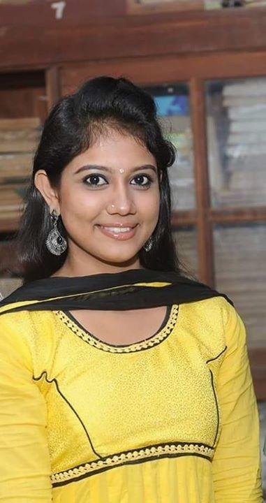 Rachana narayanankutty smile photos