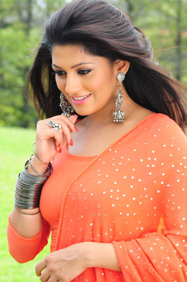 Radhika kumaraswamy face pictures