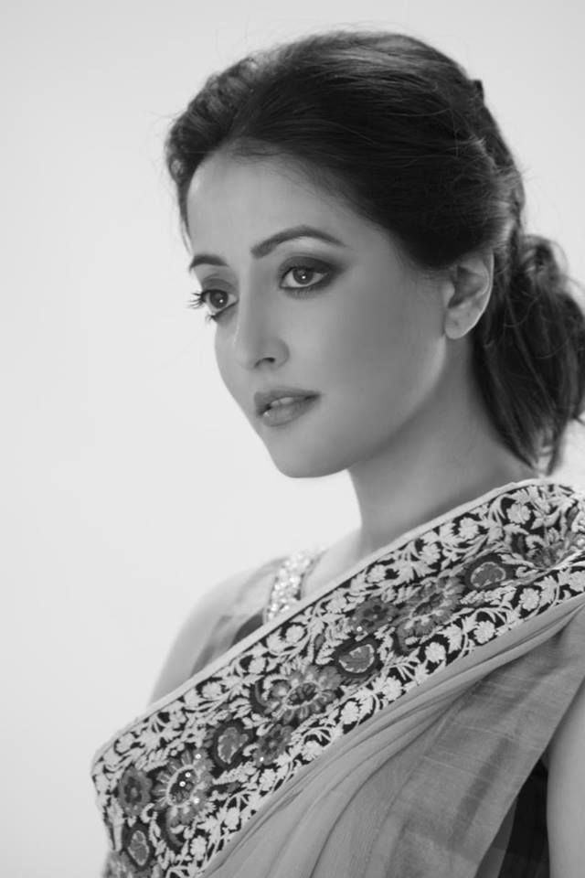 Raima sen saree photos
