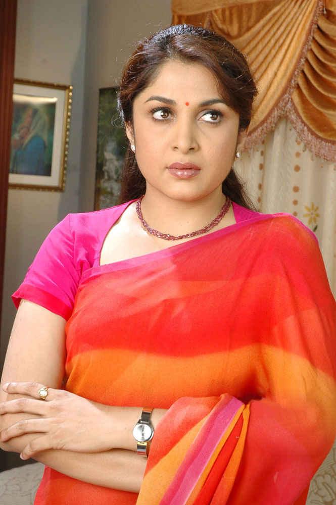 Ramya krishnan saree photos