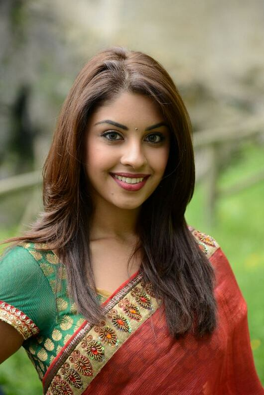 Richa gangopadhyay red saree photos
