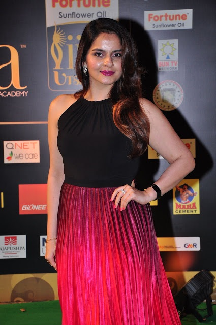 Roma asrani award photos