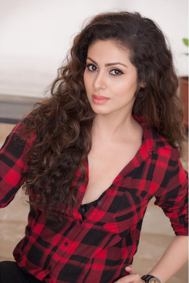 Sadha cute pictures