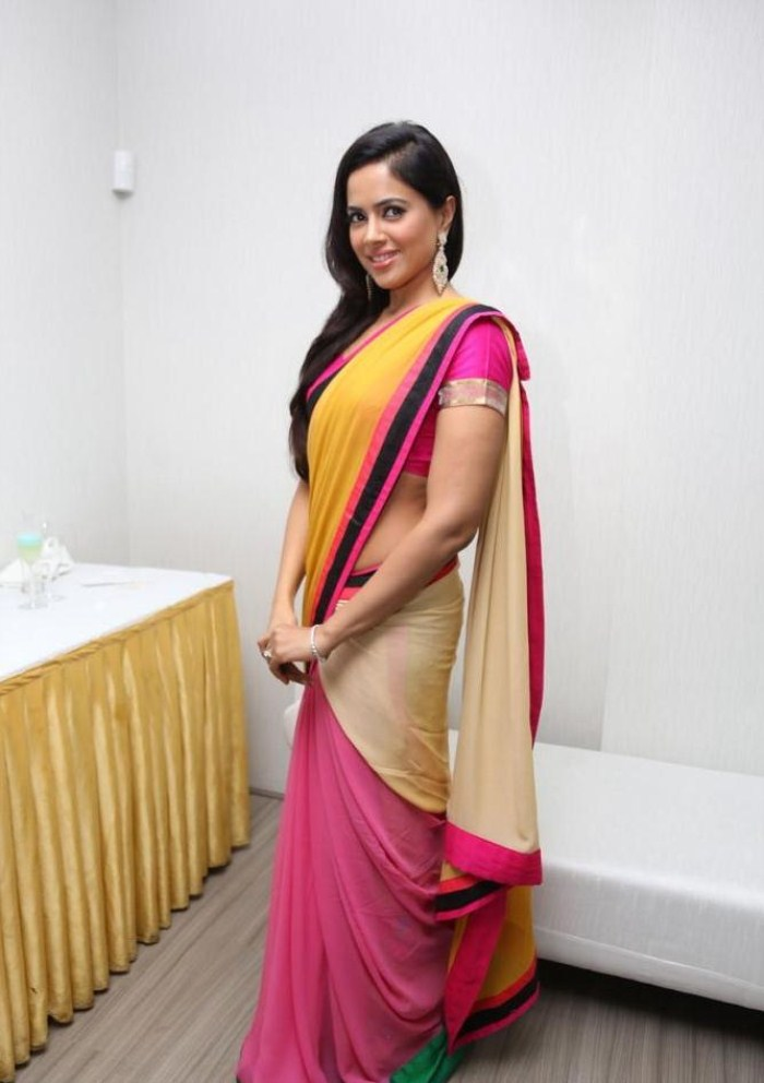 Sameera reddy saree photos