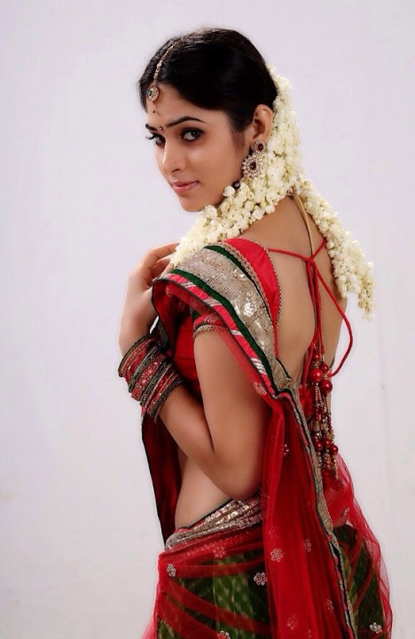 Sanyathara red saree desktop pictures