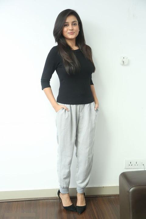 Actress mishti chakraborty desktop photos