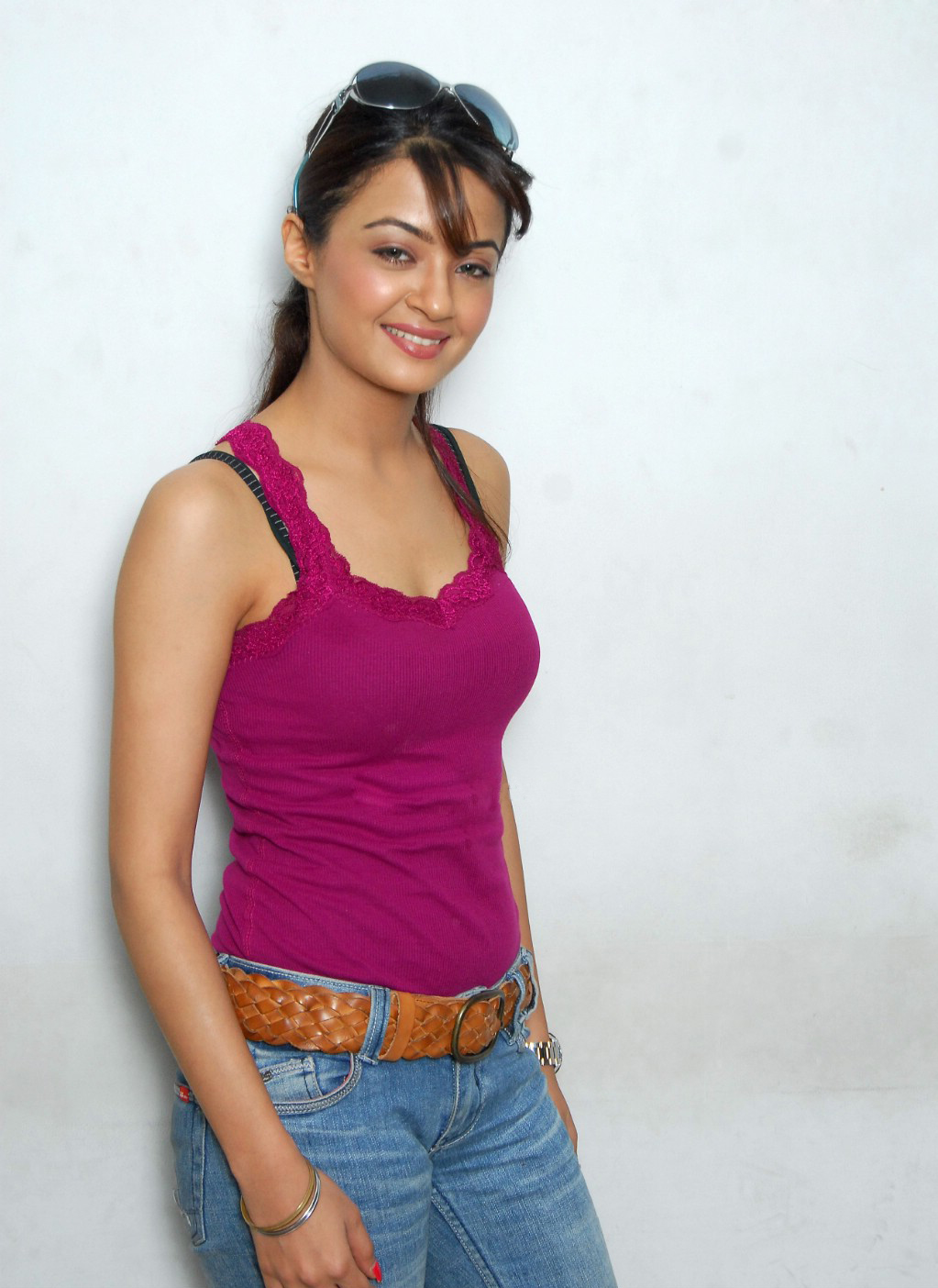 Actress surveen chawla pictures