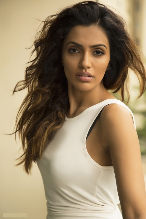 Akshara gowda actress glamour photos