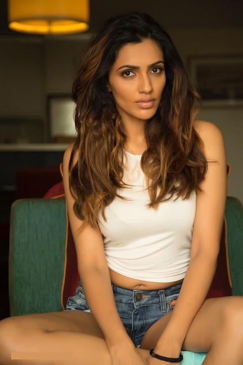 Akshara gowda actress unseen stills