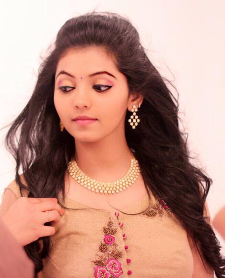 Athulya ravi unseen fotos