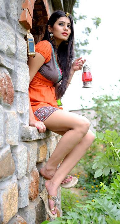 Deepa sannidhi smile pose gallery