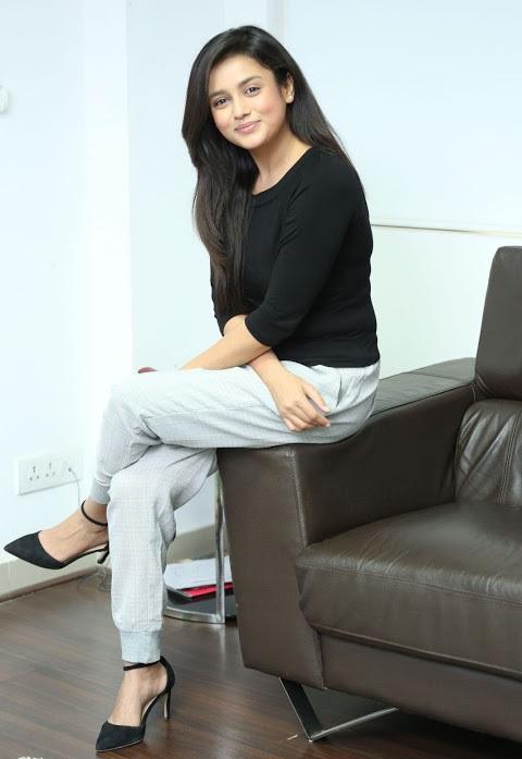 Mishti chakraborty actress photoshoot image