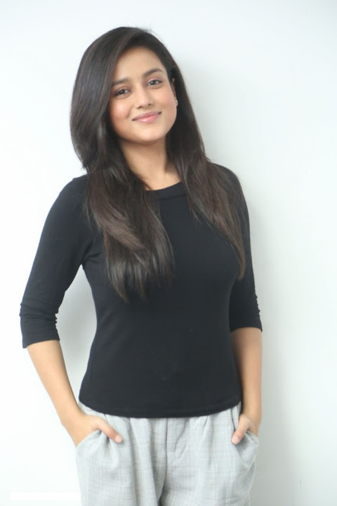 Mishti chakraborty black dress hd pics