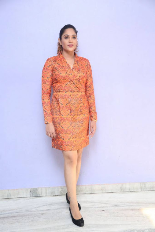 Mumtaz sorcar orange coor dress pictures