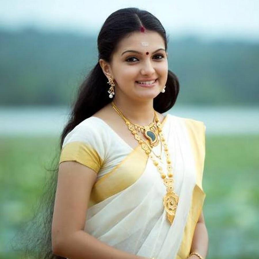 Saranya mohan set saree photos