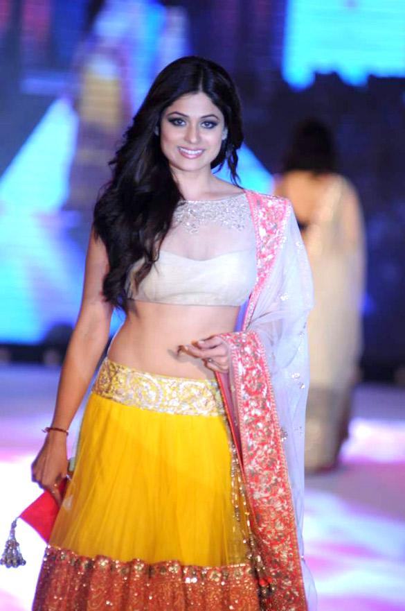 Shamita shetty half saree photos
