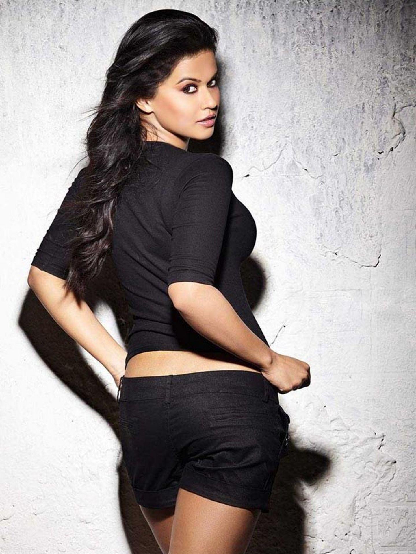 Sharmila mandre backside photos