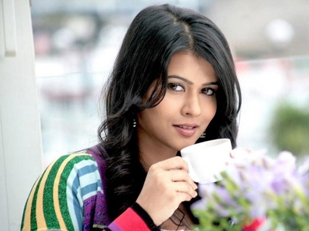 Sharmila mandre desktop wallpapers