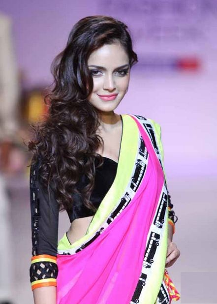 Shazahn padamsee saree photos