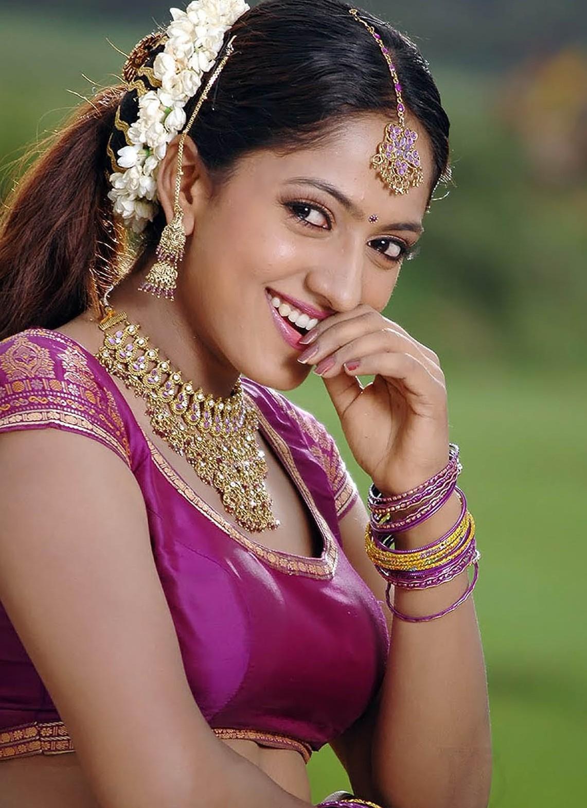 Sheela kaur full makeup photos