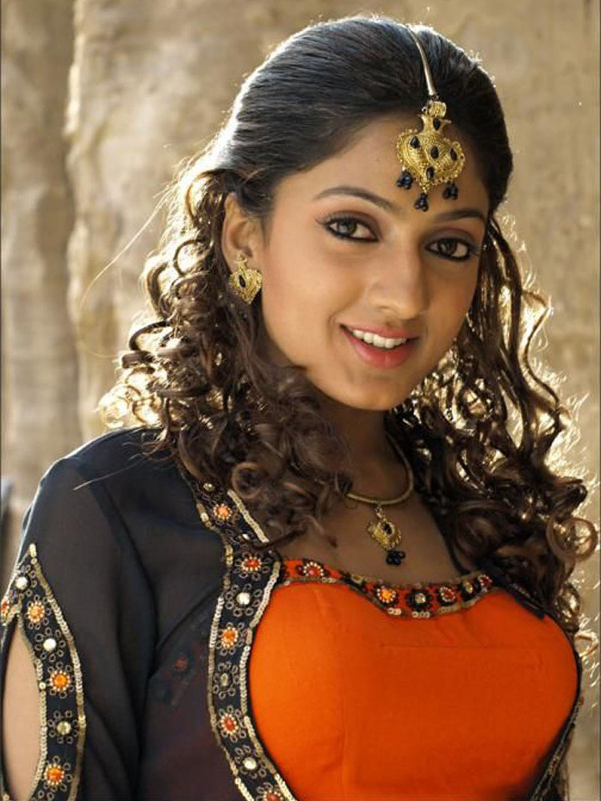 Sheela kaur hair style photos