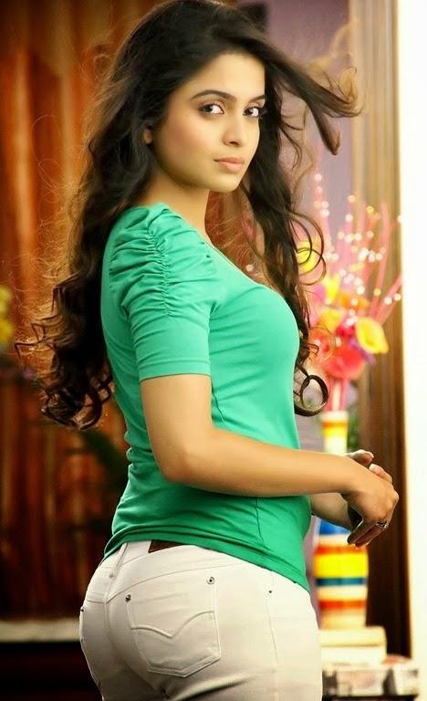 Sheena shahabadi back side photos