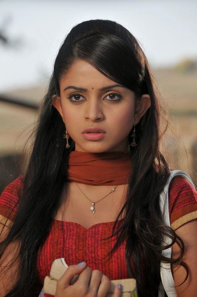Sheena shahabadi face pictures