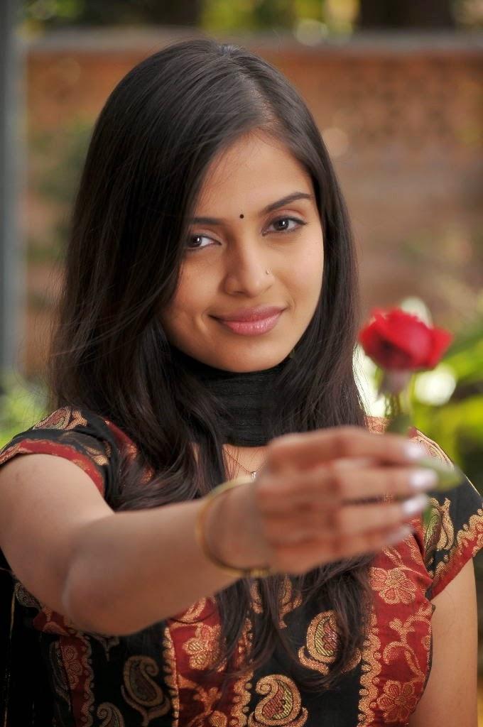 Sheena shahabadi rose photos