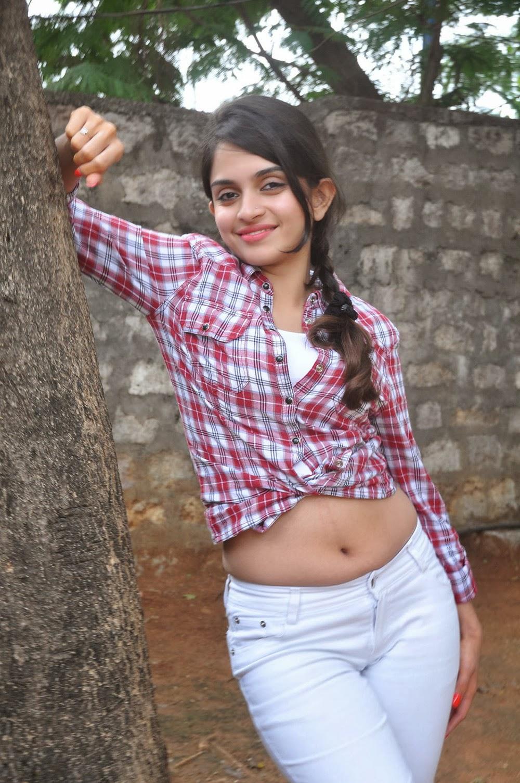 Sheena shahabadi shirt photos