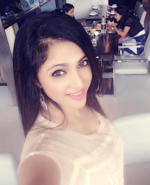 Shilpa anand selfie photos