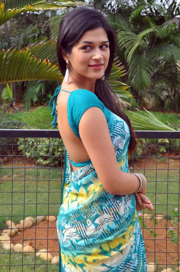 Shraddha das saree backless photos