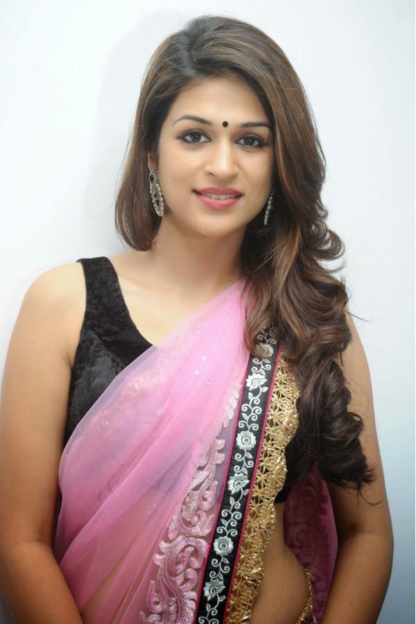 Shraddha das saree face photos