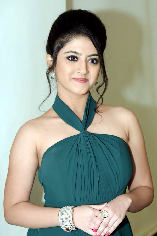 Shriya sharma cute photos