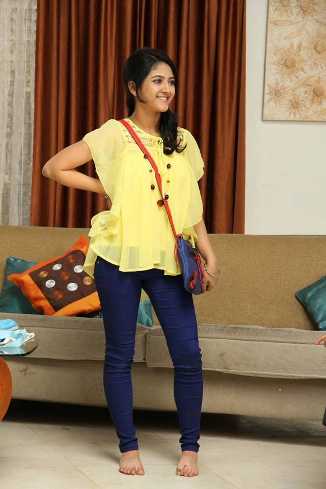 Shriya sharma in house photos