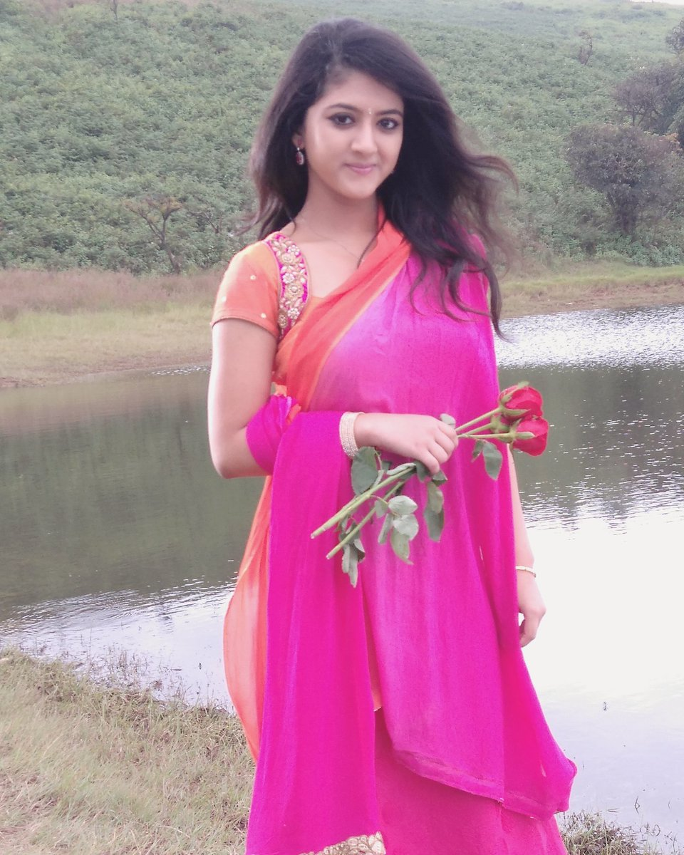 Shriya sharma saree pictures