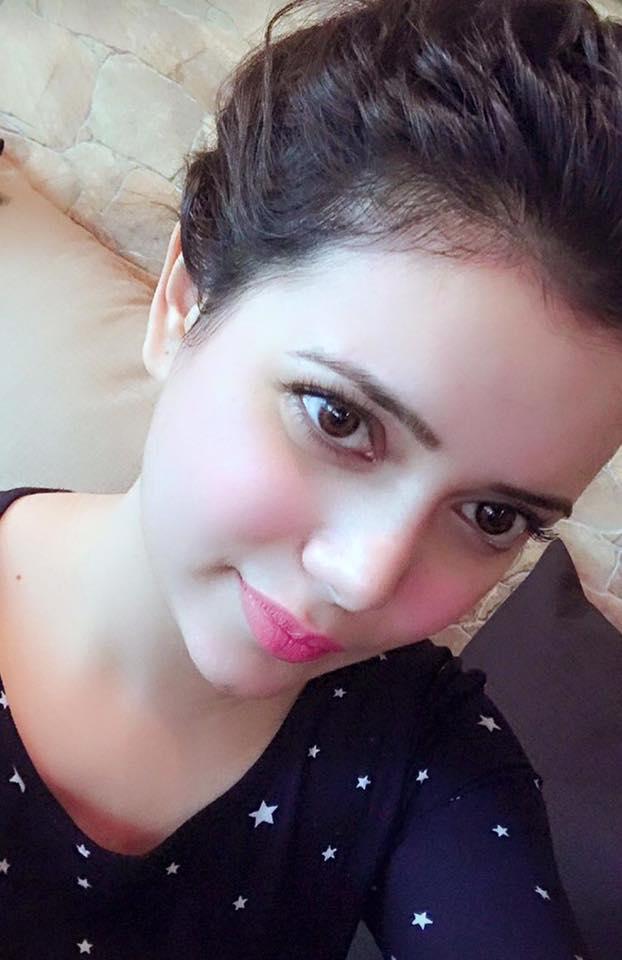 Shruti kanwar selfie photos