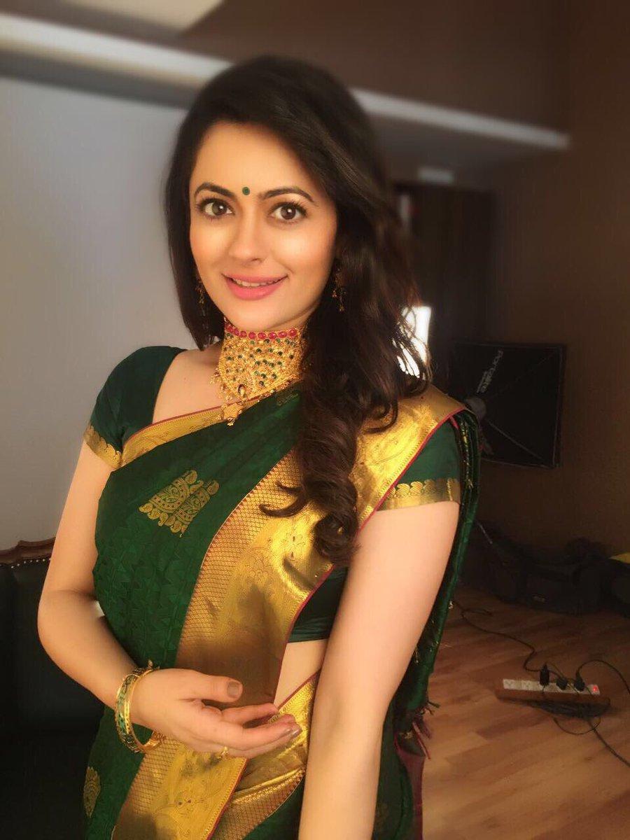 Shruti sodhi saree pictures
