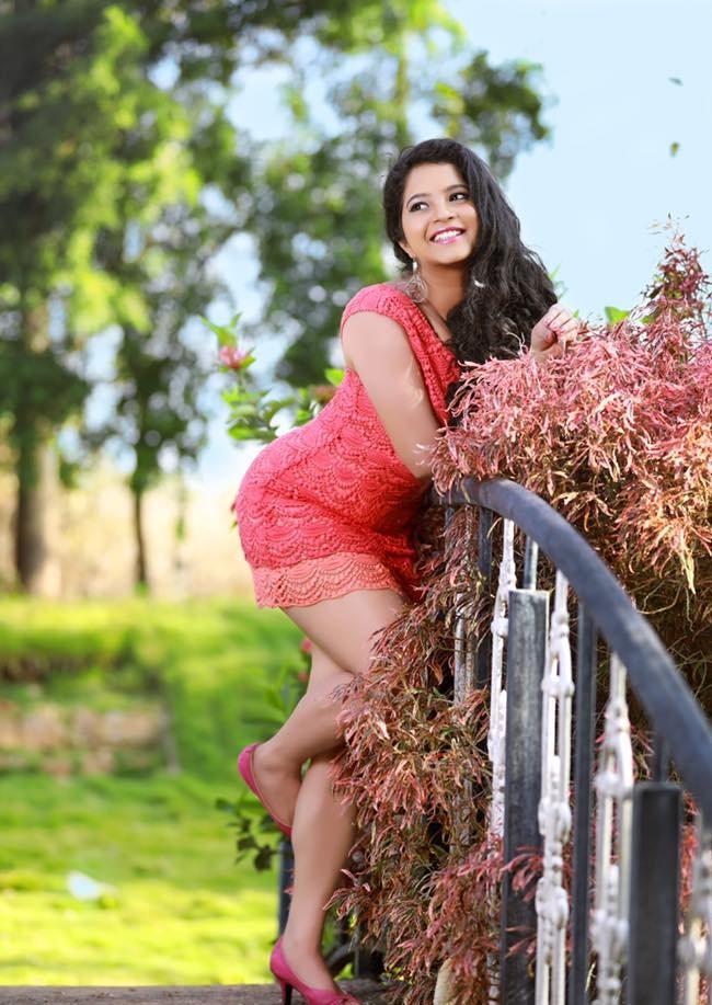 Shubha poonja photoshoot pics