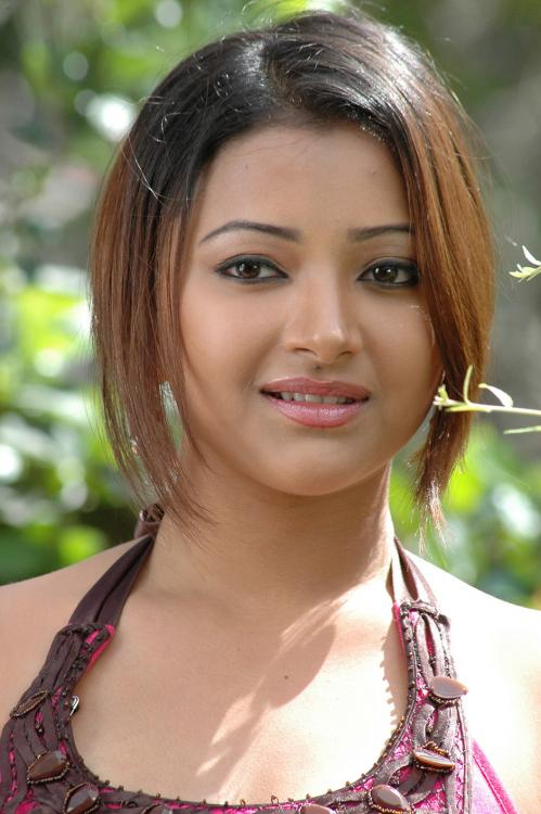 Shweta basu prasad short hair photos