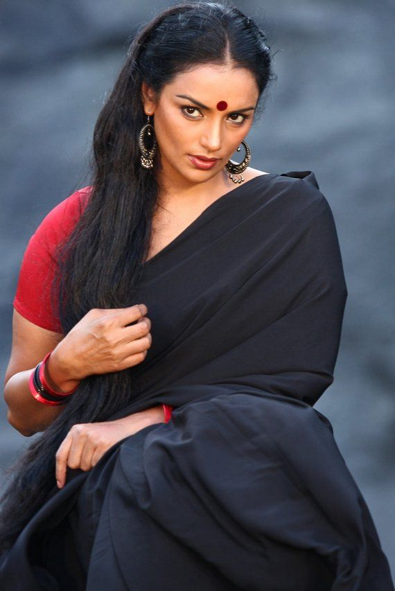 Shweta menon black saree pictures