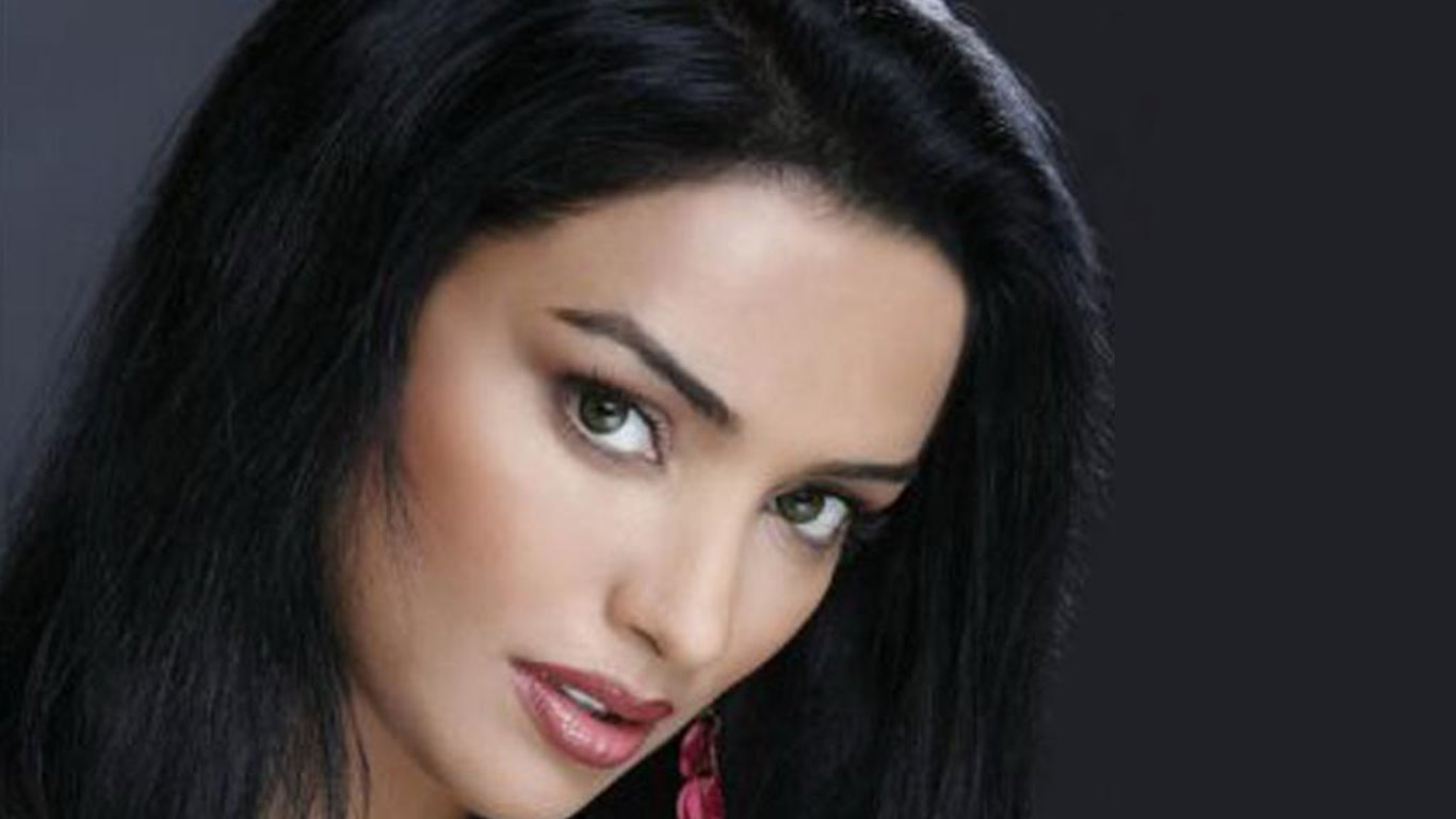 Shweta menon face wallpapers