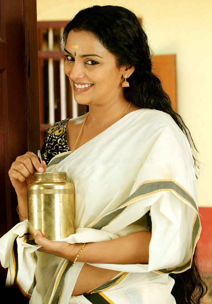 Shweta menon set saree photos