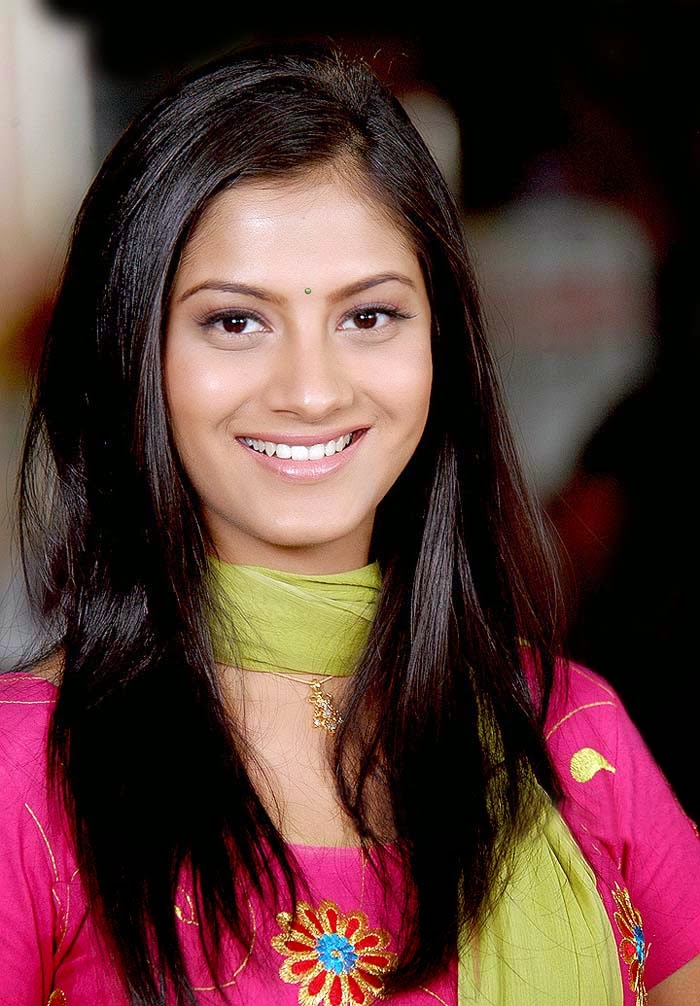 Sindhu tolani face pictures