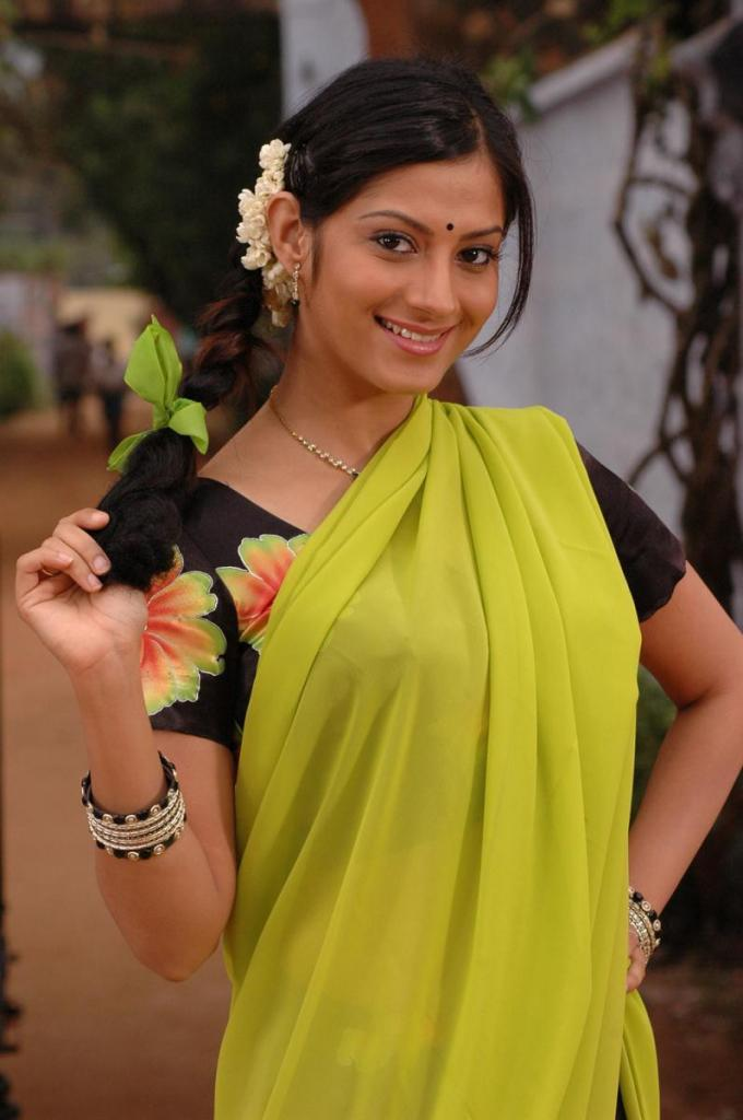 Sindhu tolani half saree photos