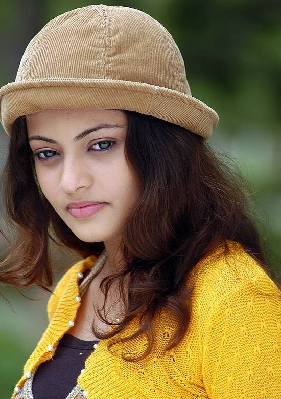 Sneha ullal face pictures