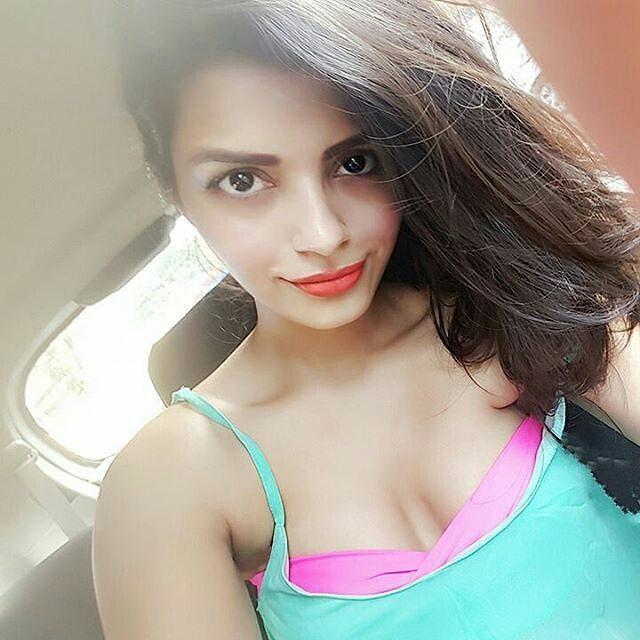 Sonali raut selfie photos
