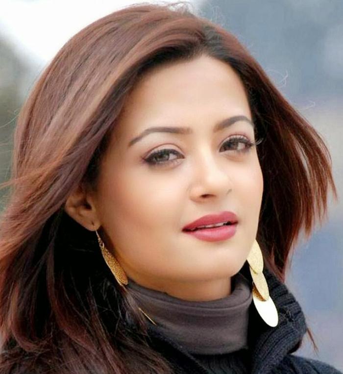 Surveen chawla face photos