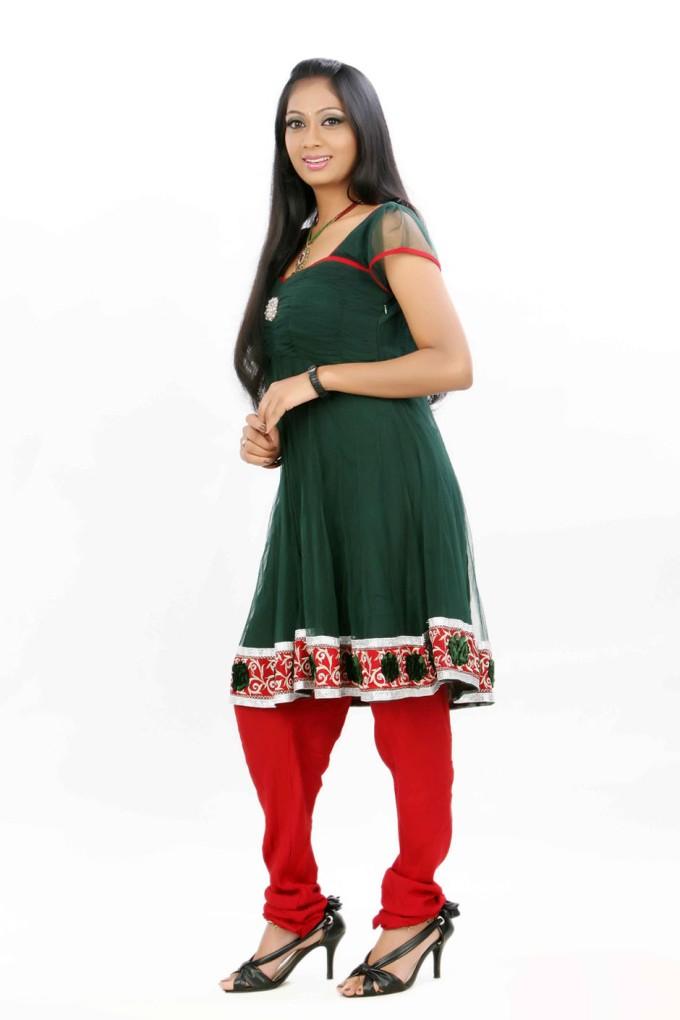Udhayathara churidar photos