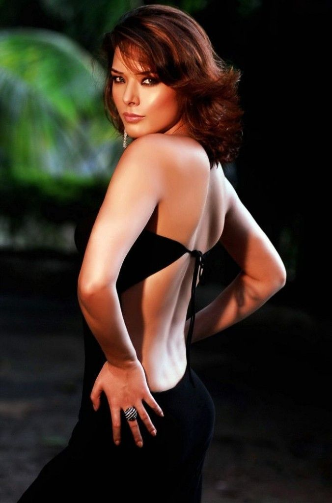Udita goswami backless photos
