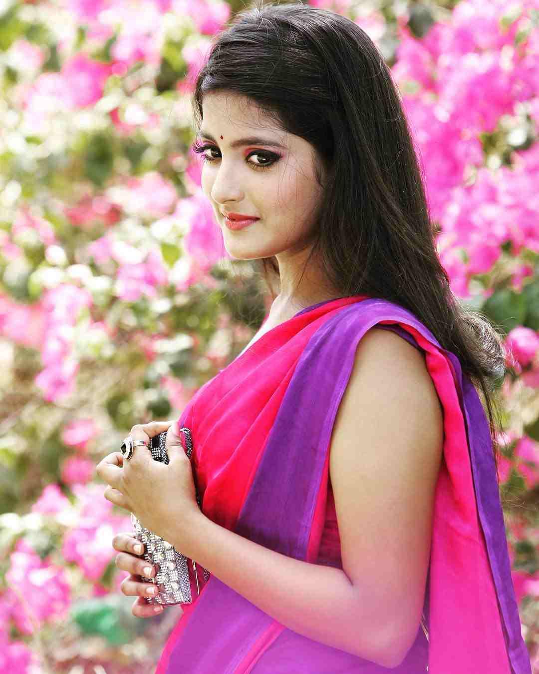 Ulka gupta saree side photos